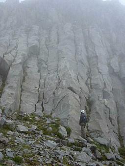 06 Stu_climbing_in_the_mists.jpg: 600x800, 40k (2014 Jul 21 06:35)