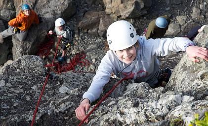 Megan at the top of her climb.jpg: 1024x622, 291k (2014 Jul 21 06:48)