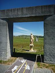 2012-12-01 14.22.30 P1040365 Simon - Stonehenge Aotearoa - Diana.jpeg: 3000x4000, 5801k (2014 Jul 21 06:52)
