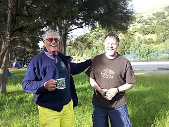 2012-12-01 18.16.01 20121201_181601 Viv Radcliffe - Morison Bush - Pedro and Simon.jpeg: 3264x2448, 3578k (2014 Jul 21 06:54)