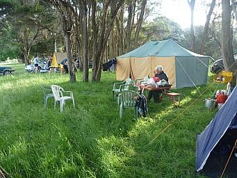 2013-12-07 19.22.58 P1050462 Simon - Tents.jpeg: 4000x3000, 7288k (2014 Jul 21 07:09)