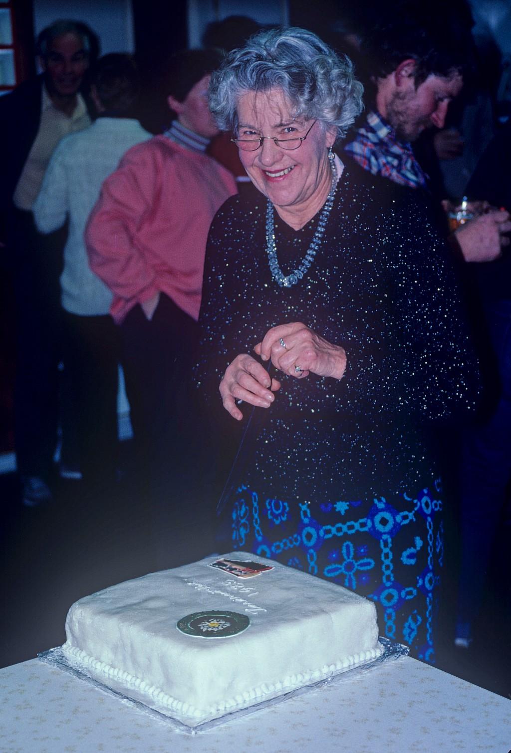 click on the photo to download the original image  1999-09 ttc511_Nancy Stevenson at TTC 80th anniversary celebrations Photo J L Anderson TTC collection