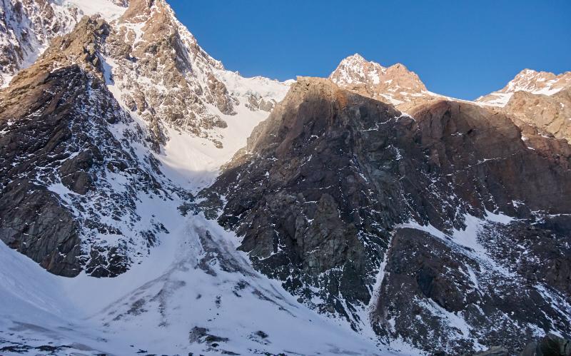 click on the photo to download the original image  03 Mona glacier to Pibrac