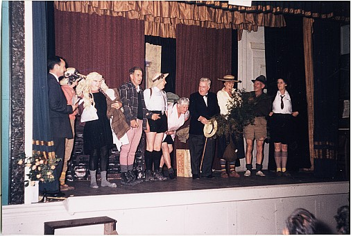click on the photo and click again on the photo to download the original image  ttc097 Club pantomime