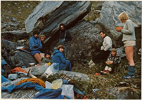 click on the photo and click again on the photo to download the original image  ttc249 group sheltering in rocks